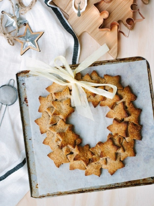 Almond-Gingerbread-Cookie-Wreath_-5 (2)