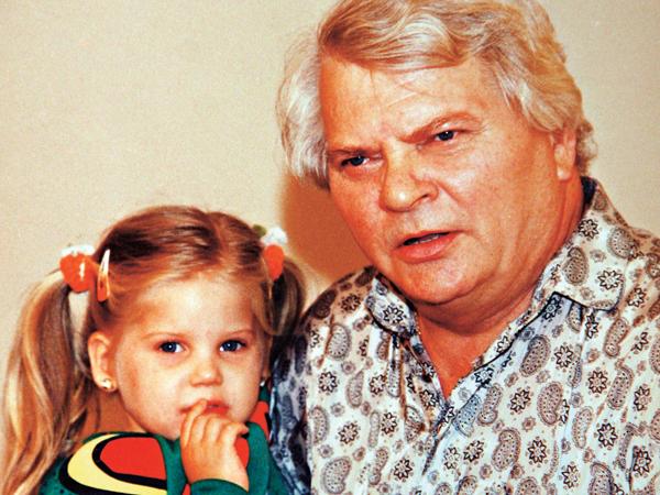 Szabó Gyula és lánya Zsófi (archív - repro)