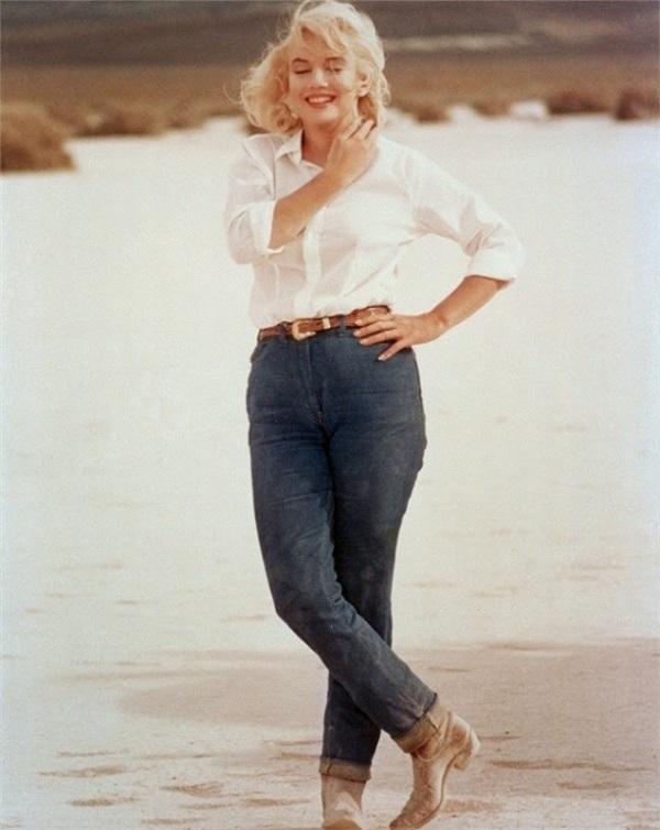 marilyn-monroe-riviera-jeans-leviscamiciabianca