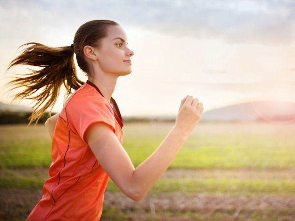 nő-fut