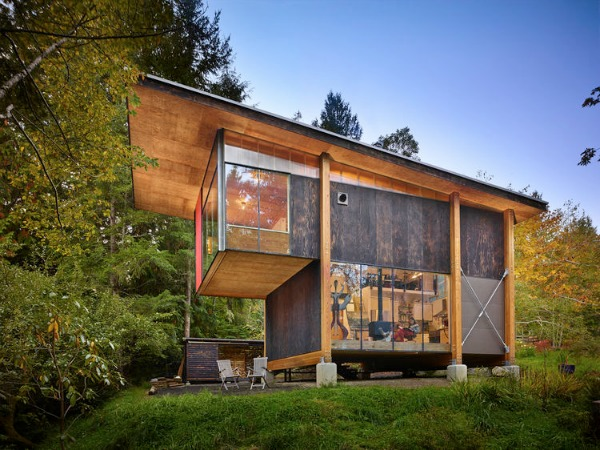 Anna Hoover studio. Grapeview, Washington. Image license: Olson Kundig Architects. © Copyright 2013 Benjamin Benschneider All Rights Reserved. Usage may be arranged by contacting Benjamin Benschneider Photography. Email: bbenschneider@comcast.net or phone: 206-789-5973.