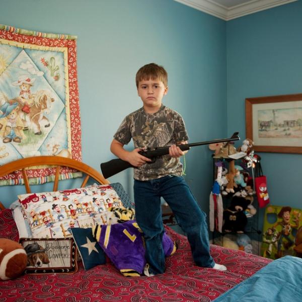 gyerekek-fegyverrel4