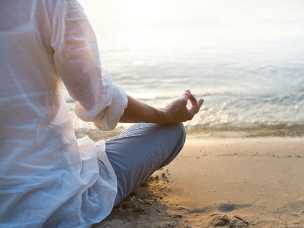 meditáló-nő