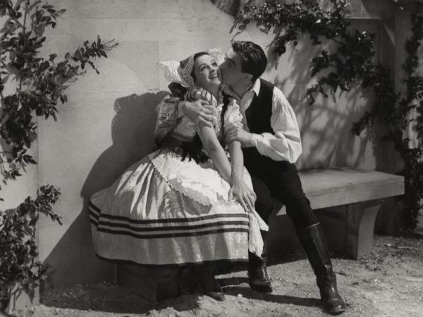 1949-mágnás-miska