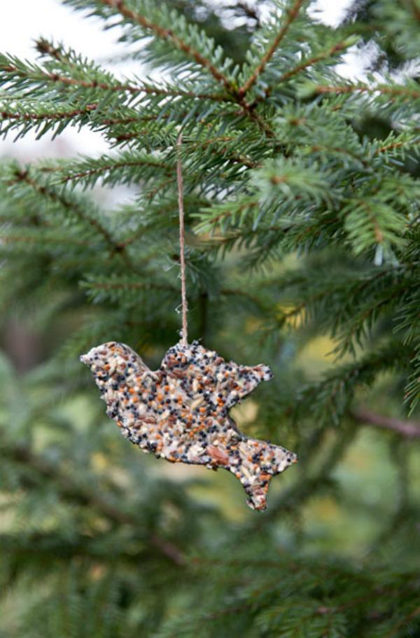 54eb18a687ef0_-_diy-holiday-decor-bird-feeder-1210-s3