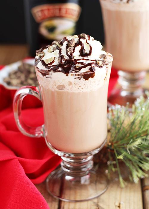 fehércsokis-baileyses-forró-csoki
