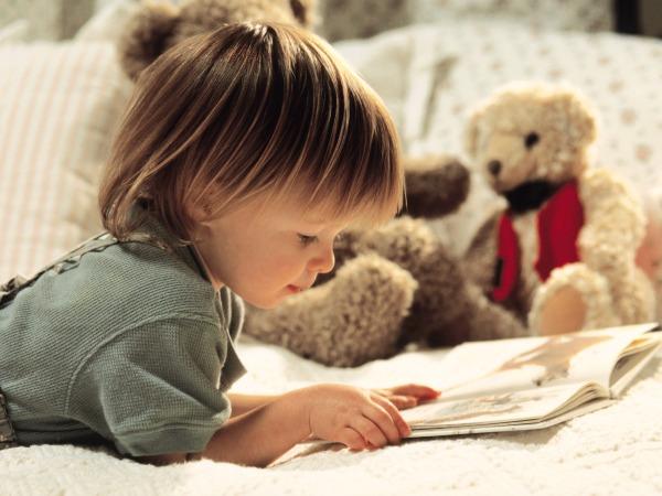 kislány-olvas