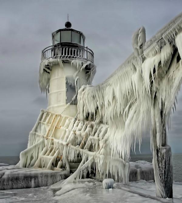 frozen-ice-art-3-1__880
