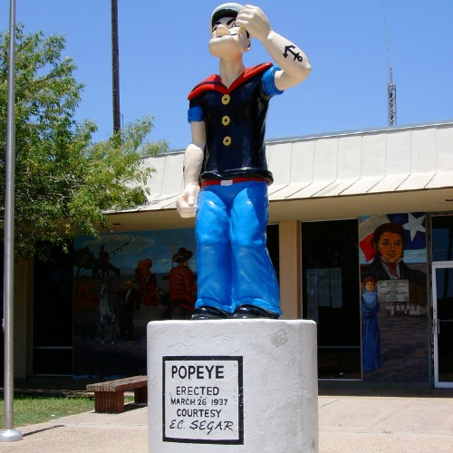 popeye-szobor-jó
