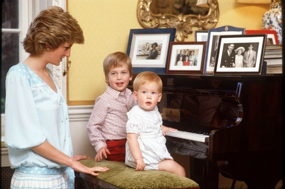 princess-diana-home-piano