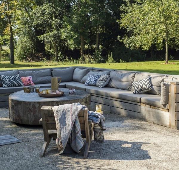 built-in-sofa-outdoor-rooms-matthew-williams