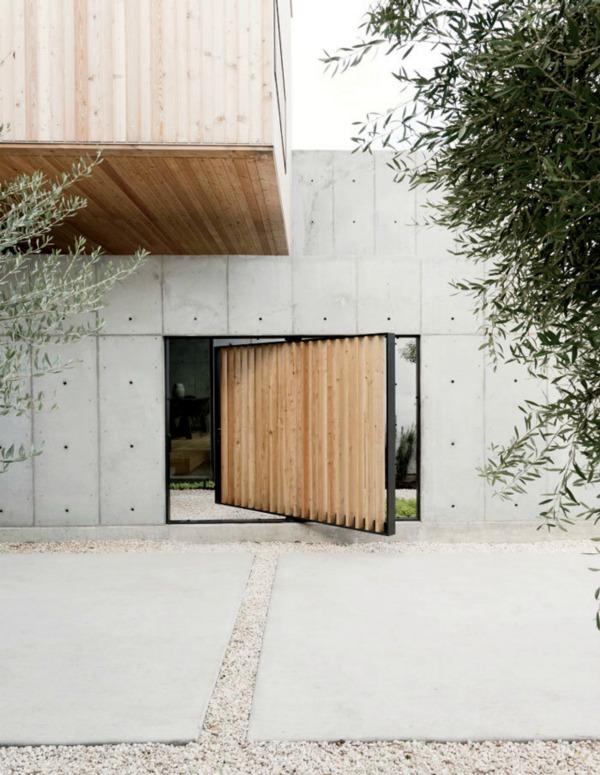 pivoting-courtyard-door-robertson-design