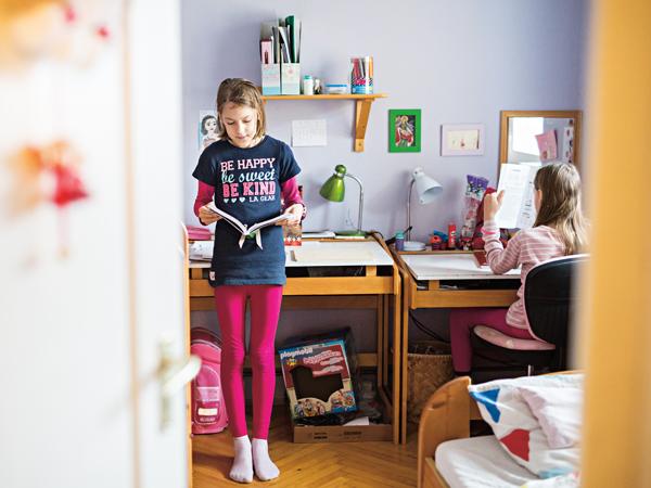otthontanulás