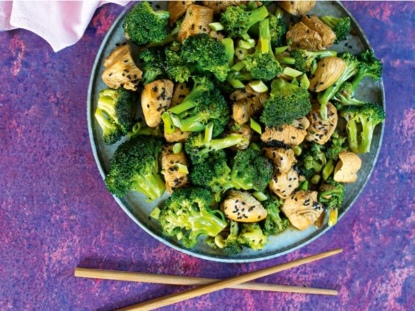 brokkolis szezámos csirke