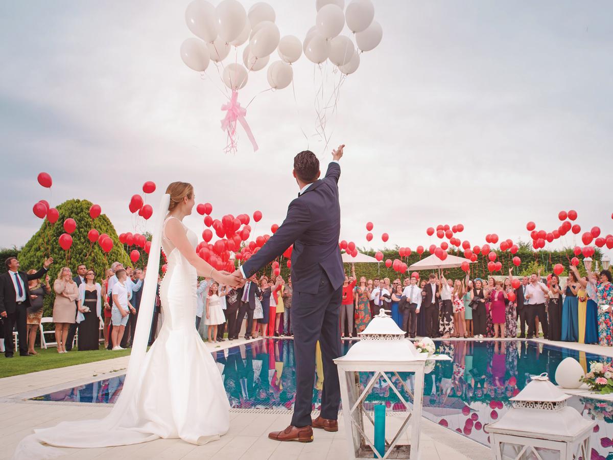 az ember keres esküvői nő)